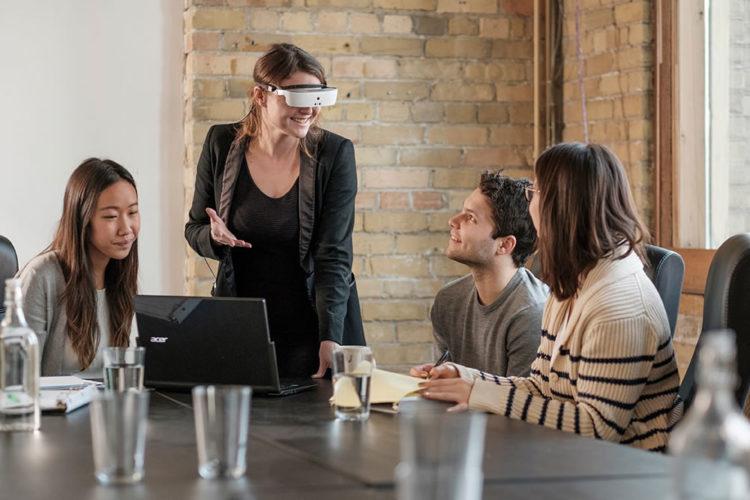 eSight : des lunettes basées sur la réalité virtuelle au profit des malvoyants